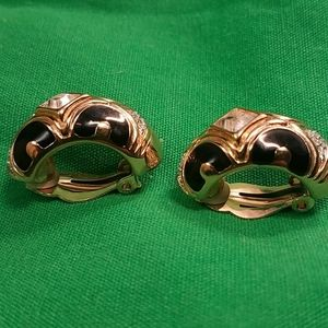Vintage GLORIA VANDERBILT earrings